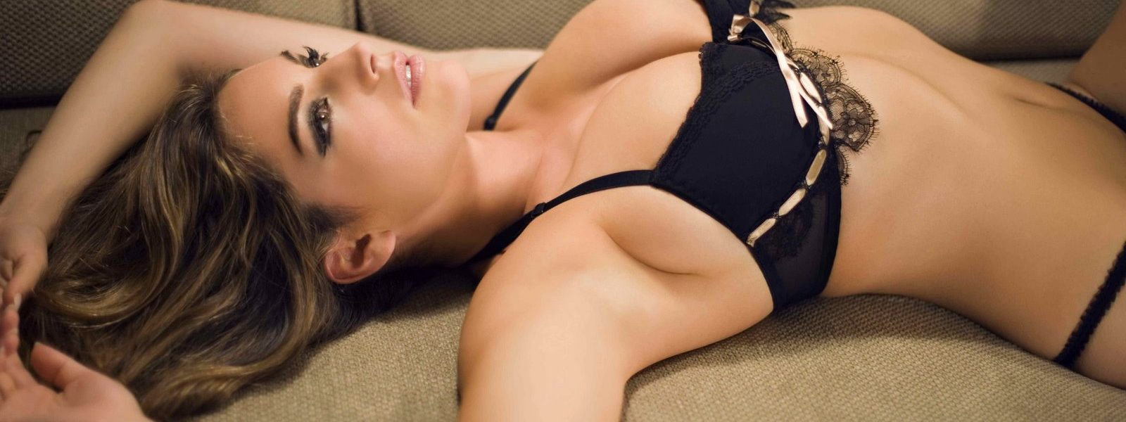 Online Vehicle Insurance Coverage - Sexy Girls Obtain a Better Insurance Policy Bargain