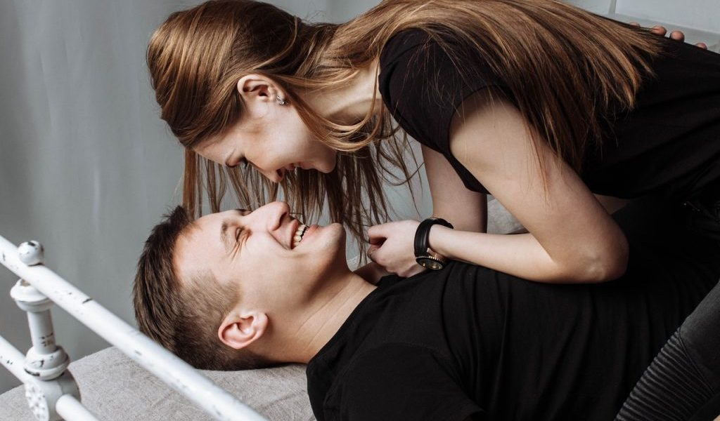 The Way To Subscribe For An Online Dating Service In UK - Flirting & Dating