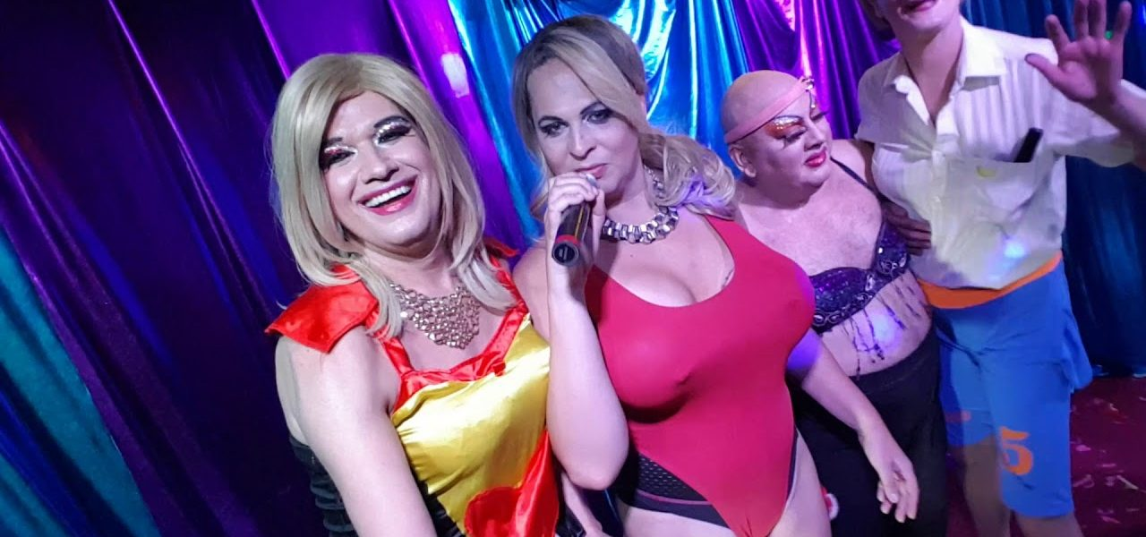 Does Internet Date A Travestis Make Me Gay?